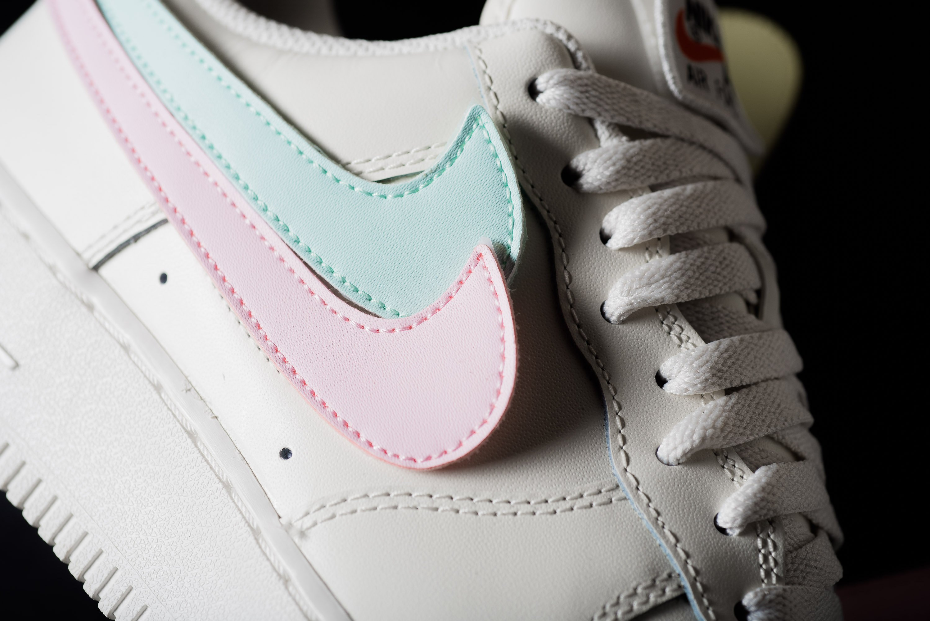 plus récent cb6fb fd15f Nike Air Force 1 07 QS Swoosh Pack - OG EUKicks Sneaker Magazine