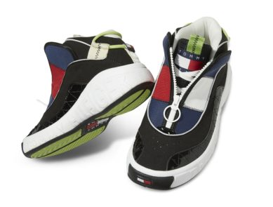 innovative design 5b3f0 7152e Kicks. Sneaker News April 27, 2018